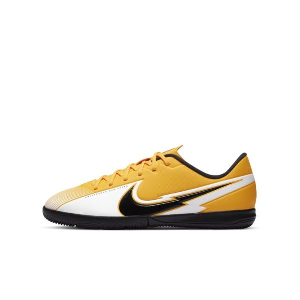 Nike Jr. Mercurial Vapor 13 Academy IC Botas de fútbol sala - Niño/a y niño/a pequeño/a - Naranja